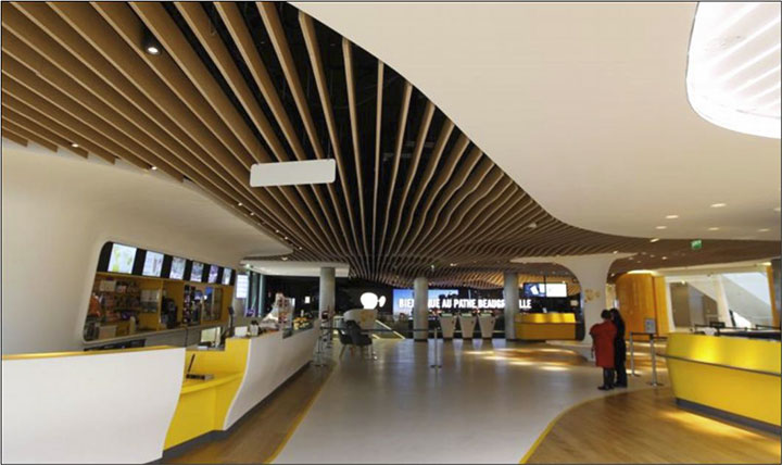 pathe-beaugrenelle-lobby